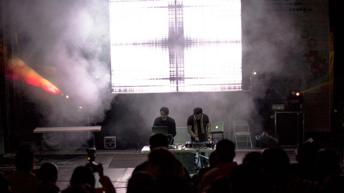 Imposible Icónico live @ Festival Quimera 2012