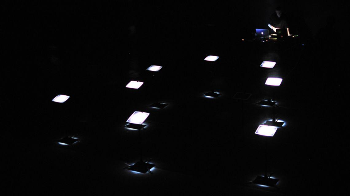 lightuneg01
