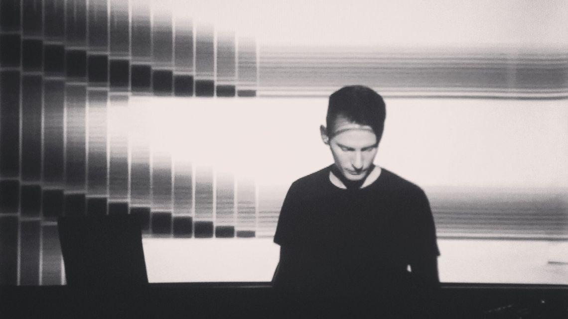 White Noise/Black Noise