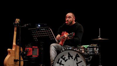 Il maestro Alessio Righi in tutto il suo splendore (più il kazoo)!