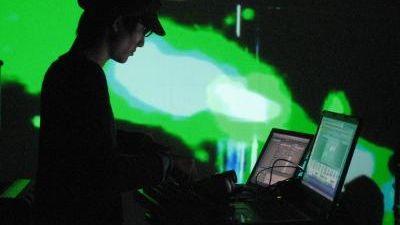 laptop live
