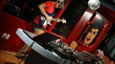 live guitar & electronics