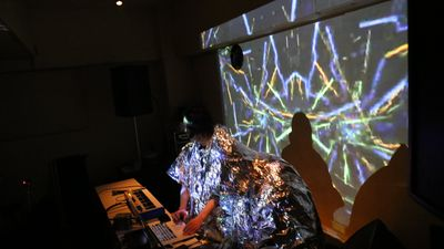 experimental AV performance & sound art