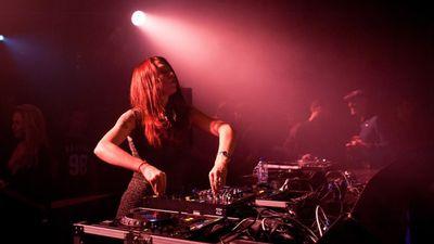 Lolla Tek DJ Set