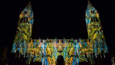 Zsolnay Light Festival & Glowing Bulbs