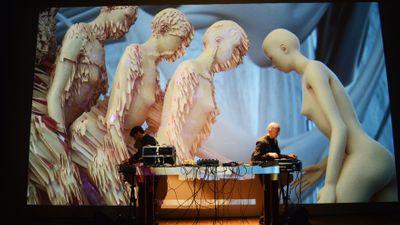 PYRAMIDEN live + Elena Romenkova visuals
