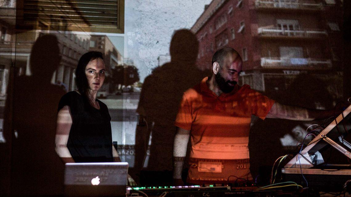 Radio-Aktivität: Cronache dalla città che sale