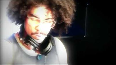 VJ Steffen Koch DJ Sam Fearon Veejaying